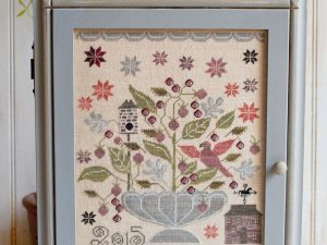 Blackberry House Pattern by Plum Street Samplers