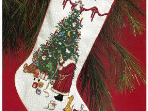 Antique Santa Stocking Pattern by Designing Women DW 003