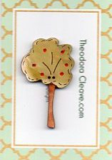 Apple Tree Button by Theodora Cleave 45 mm